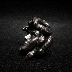 Bague Serpent Tête de Méduse Acier belle