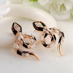 Boucles d'Oreilles Serpent Ornementés Noires et Blanches femme