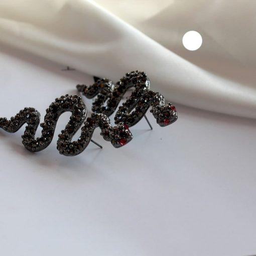 Boucles d'Oreilles Serpent Gothiques Noires femme